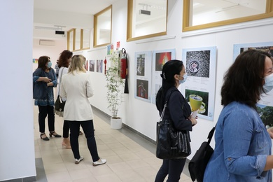 "Global Confucius Institute Day: The Exhibition ""Tea, Love and the World'' Opened"