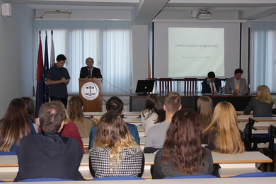 Law experts from Chile held a lecture at the Faculty of Law